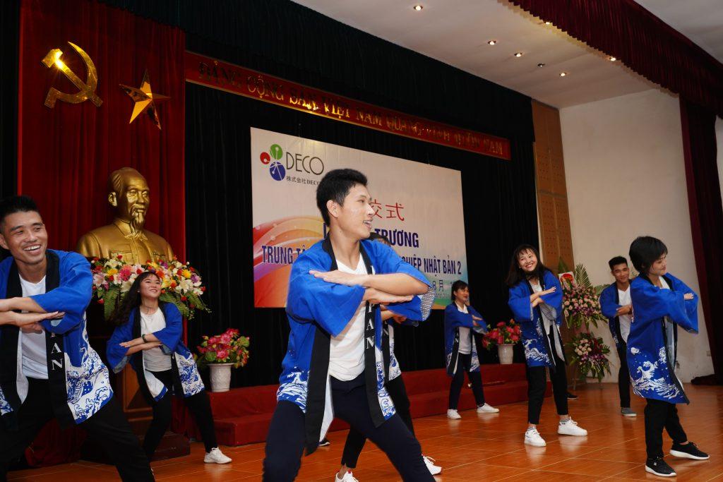 Văn nghệ chào mừng: Khai trương trung tâm đào tạo & hướng nghiệp Nhật Bản số 2